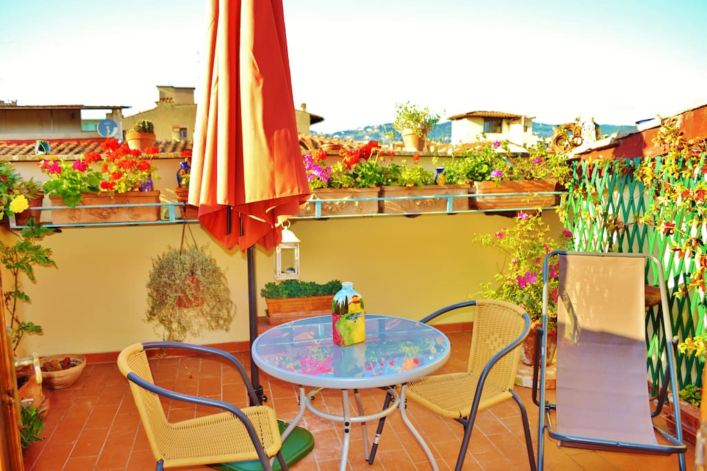 Be free to use the  umbrella  in the roof top terrace under the Tuscan sun