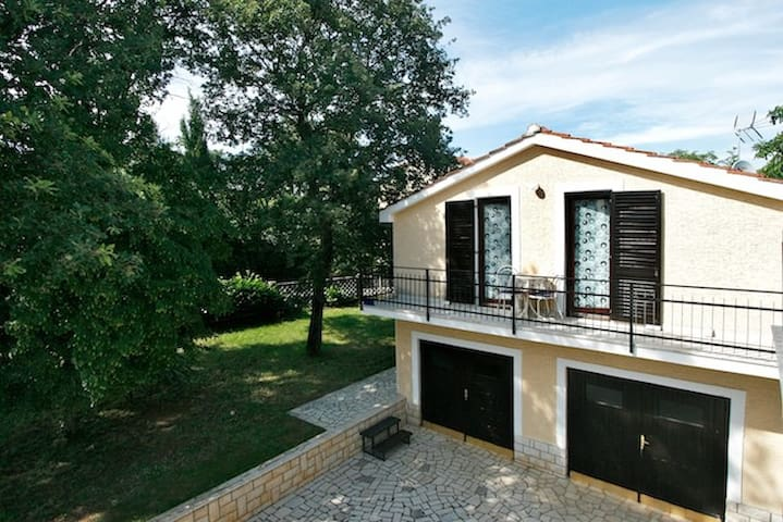 GREEN and RETRO - clean and frendly - Poreč - Flat