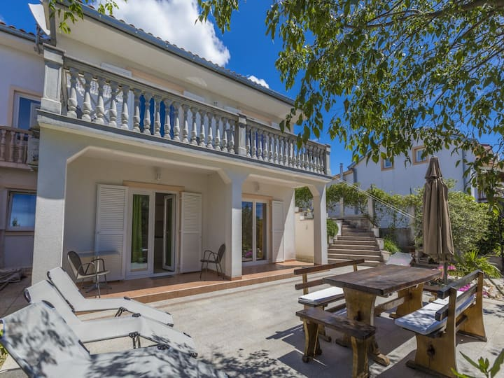 Two Bedroom Apartment, 100m from city center, seaside in Jadranovo (Crikvenica), Terrace