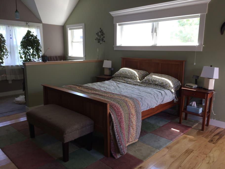 Master bedroom/bathroom - queen size bed
