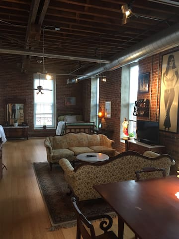 Downtown Durham Flat in Historic Cigarette Factory