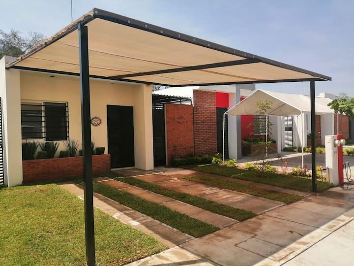 ACOGEDORA CASITA CERCA DEL CENTRO DE COLIMA