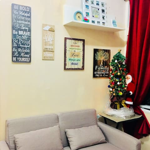 SHARED ROOM with aircon + wifi (FEMALE ONLY)