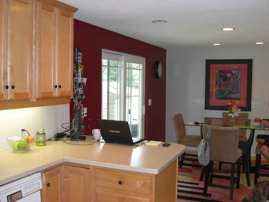 Open concept living, dining, and kitchen
