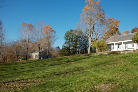 Gracious 1843 house with porches - Montville