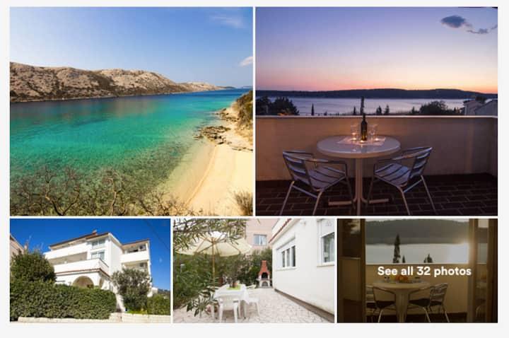 SEA VIEW 2BDR app*2 baths*terrace*wifi*air-con