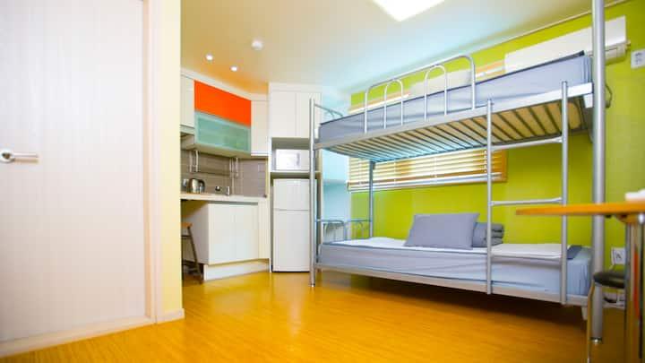 BB Hongdae Private Room(Twin Room)