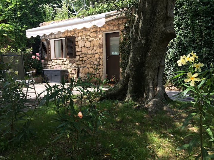 Casa Tanja-La Cambusa peaceful garden tiny WiFi