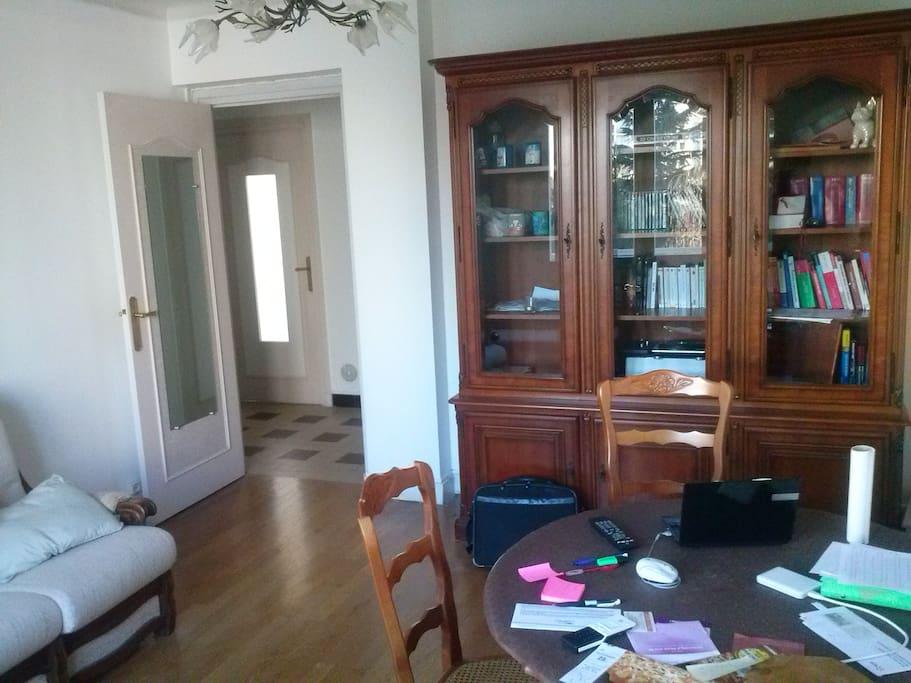 Salon, côté porte