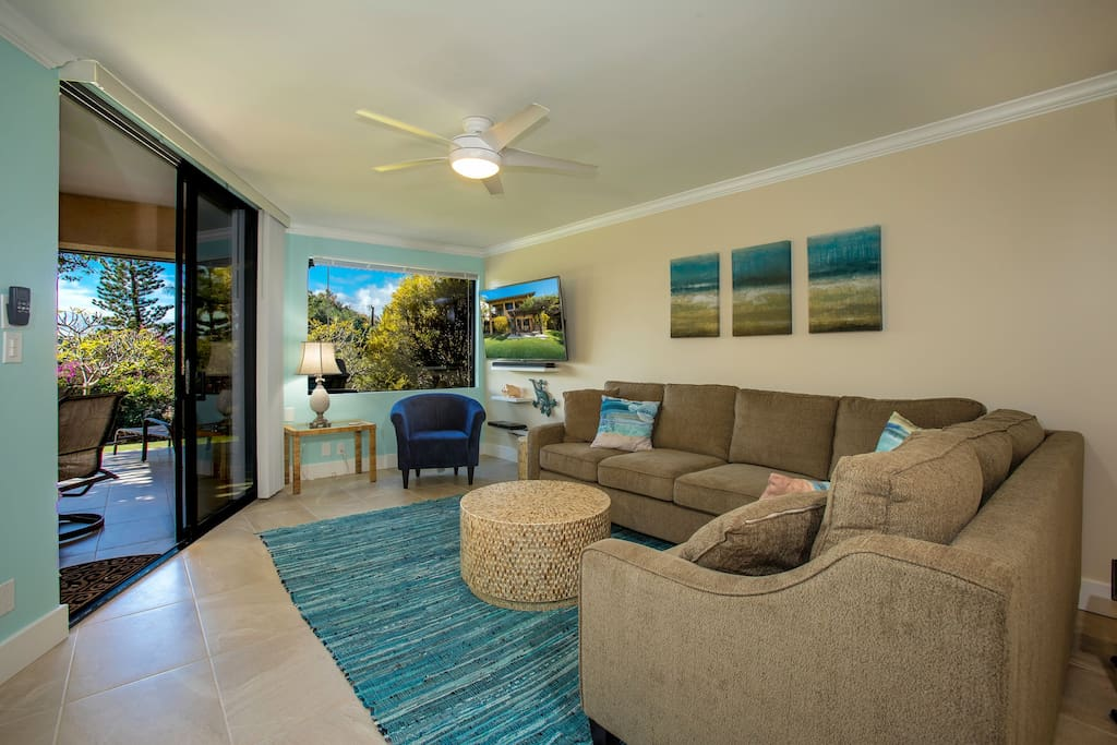 Comfortable and elegant - indoor/outdoor tropical living at it's best.