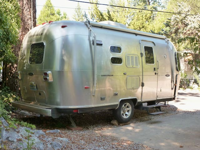 Silver Belle Airstream Motor Lodge - Sonora - Husbil/husvagn