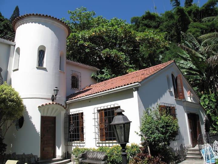 Santa Teresa Loft Suite in Mansion with Pool