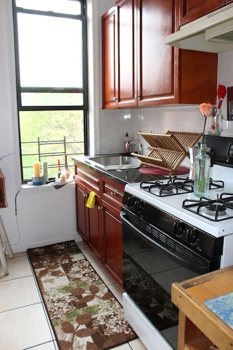 Really large kitchen! Great for cooking and dinners. Beautiful light and a view full of green trees and birds chirping!
