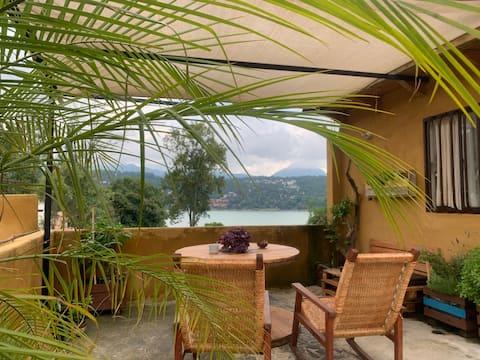 Bohemian's House Vista al Lago