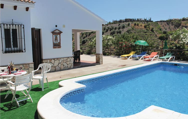 Holiday cottage with 3 bedrooms on 120 m² in Canillas de Albaida