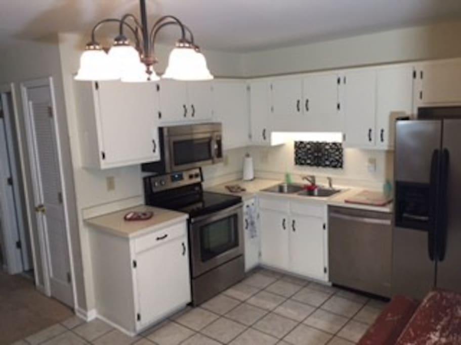 Big county kitchen seats 4