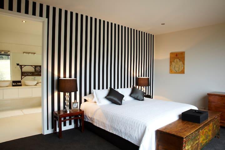 Main bedroom showing ensuite