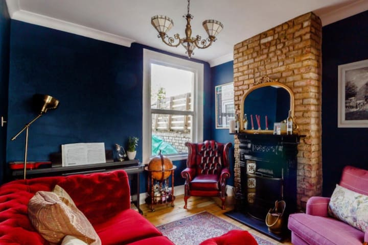 3 Bedroom London family townhouse close to tube