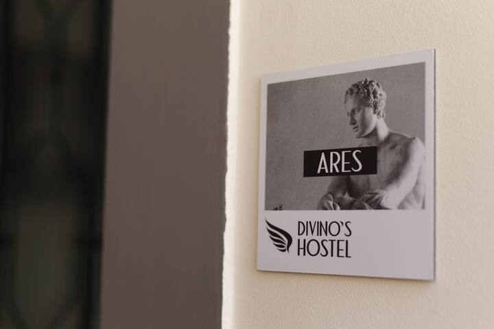 DIVINO´S HOSTEL ARES