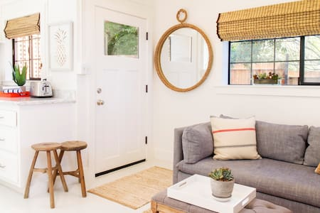 Beautiful Beach Bungalow Retreat - Stinson Beach - Bungalov