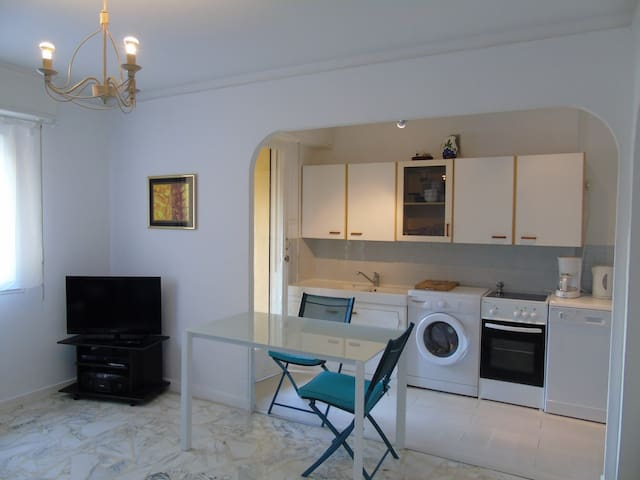 Apartment near Cannes with Parking and WIFI
