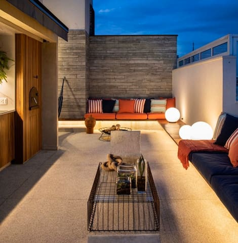 Penthouse with Garden Views in residential HSR
