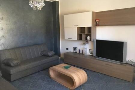 Private rooms ( short period) - Assemini - Apartment