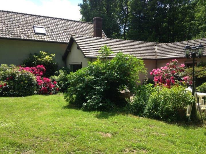 Chambre dans maison champêtre proche de Giverny