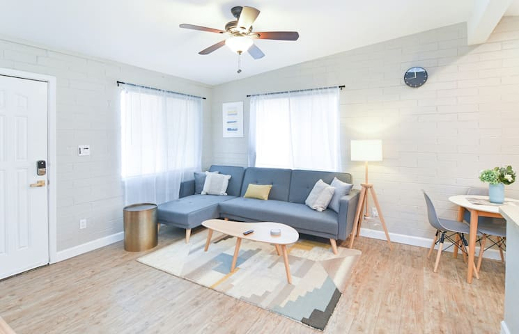 Cozy Tempe Home King Bed Close to ASU & Scottsdale