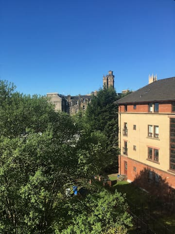 Glasgow West End Apartment in Great Location