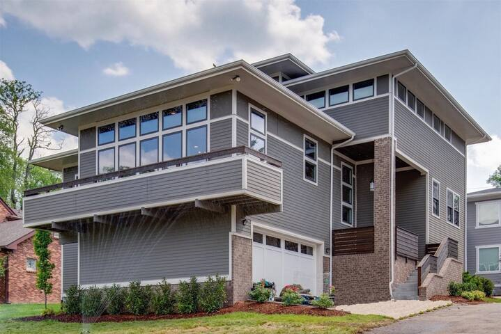 Green Hills GEM PERFECT furnished long-term rental