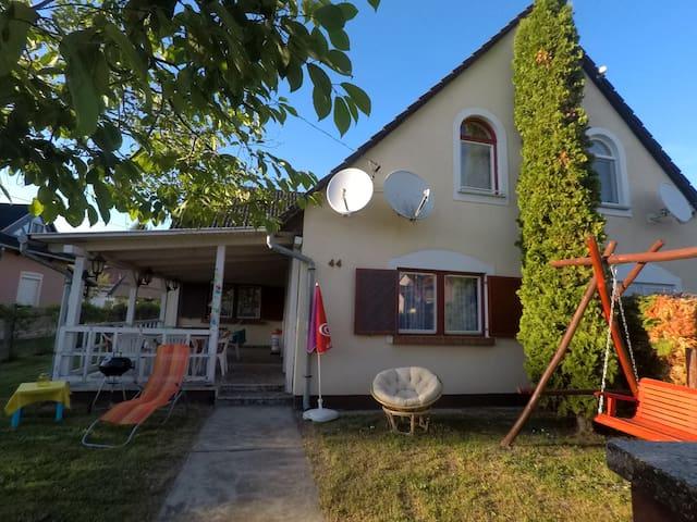 Nice Apartment w. 2 bedrooms in Balatonmáriafürdő