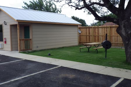 Your own spacious cabin - Pleasanton - Kabin