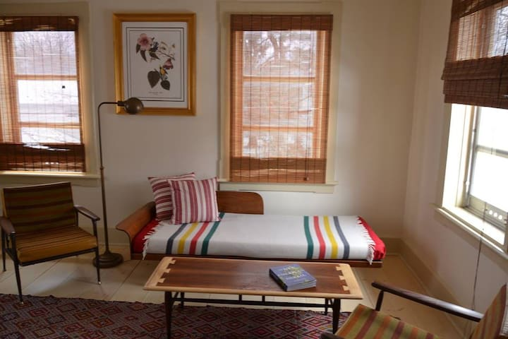 NEST INN. King Room - Narrowsburg - Casa