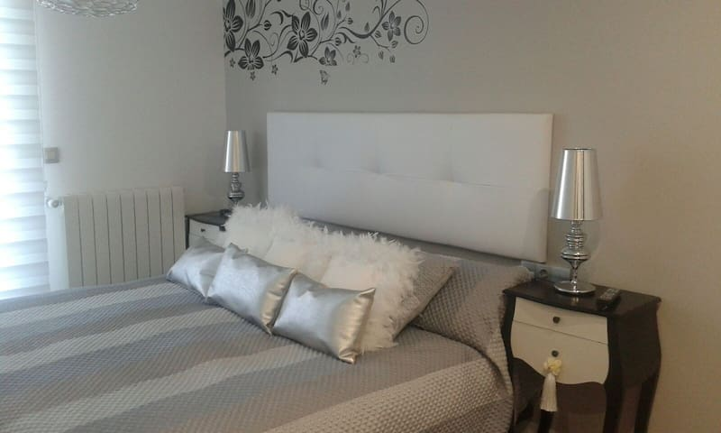 Suite 180cm Double Room(San Fermin) - Pamplona - Daire