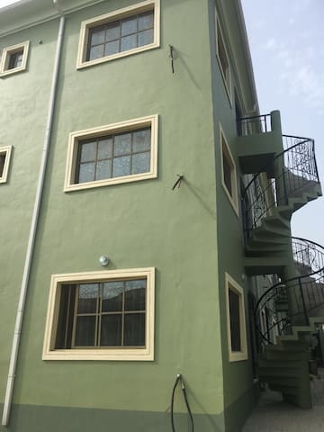 A pristine 2bedroom w/24hrs security - Near Ikeja.