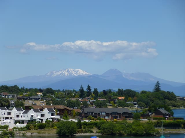 Thermal Bed and Breakfast - Taupo - Bed & Breakfast