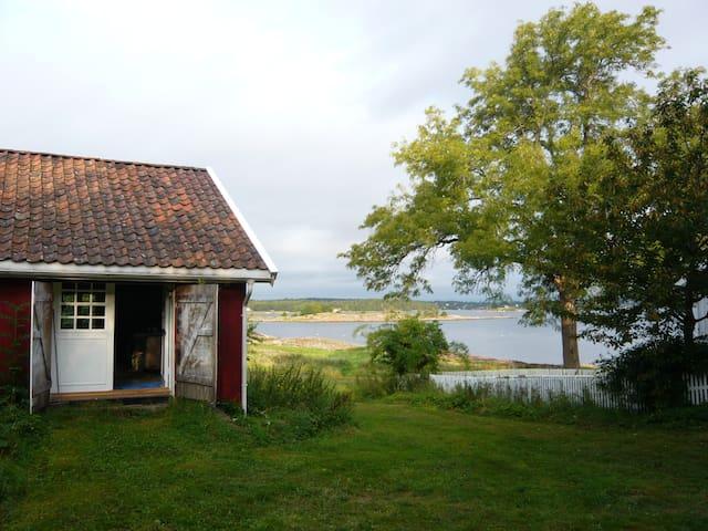 House on an idyllic island farm - Duken - Houten huisje