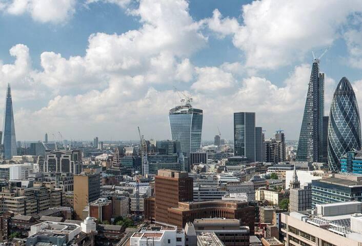 Stunning Views 22nd floor Tower overlooking London - Londyn - Apartament
