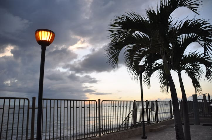 Oceanfront and Incredible Beautiful Sunset - Rincon - Appartement
