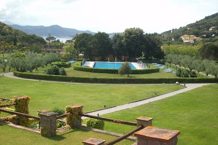 Apartment in Residence with Pool - Bagnaia
