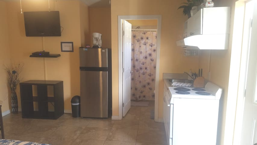 CLOSE TO WIREGRASS MALL & OUTLET MALL