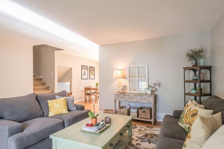 Cozy & Quaint Lafayette Suite