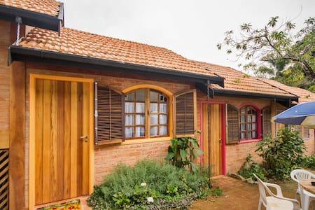 Vila Báltica - Casa Amarela - Campos do Jordão