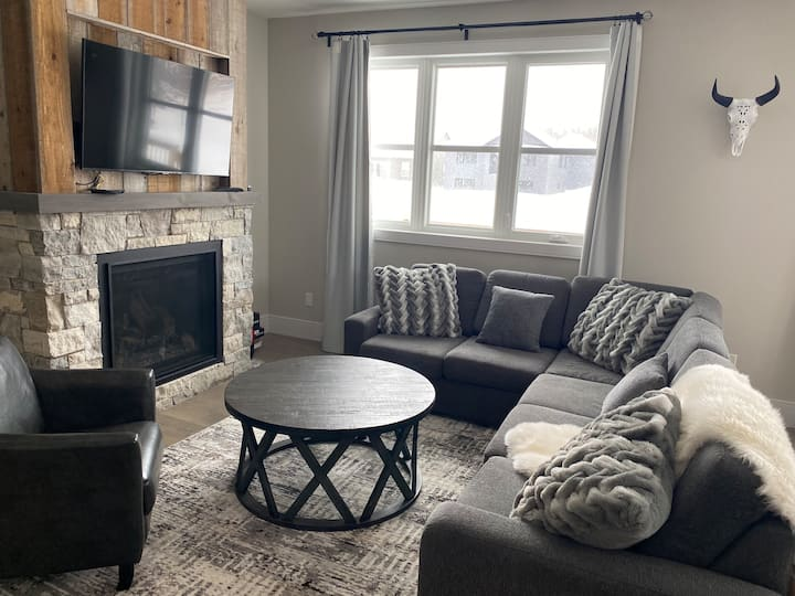 Georgian Bay Cottage (30+ days only)