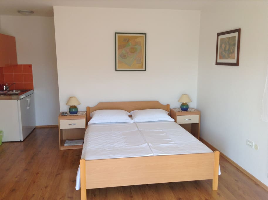 Main room and the double bed