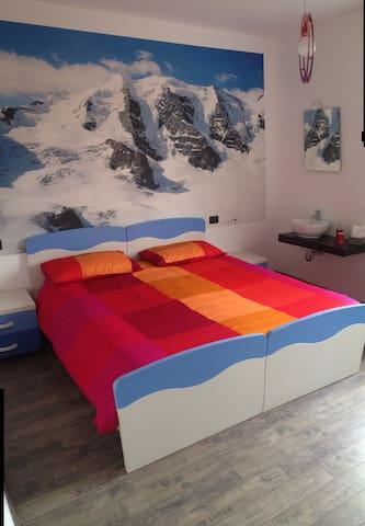 Grandi Cime: stanza Palü - Lecco - Casa