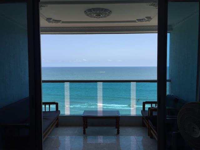 Beachfront Apt in Bocagrande Close to the Old City - Cartagena - Apartamento
