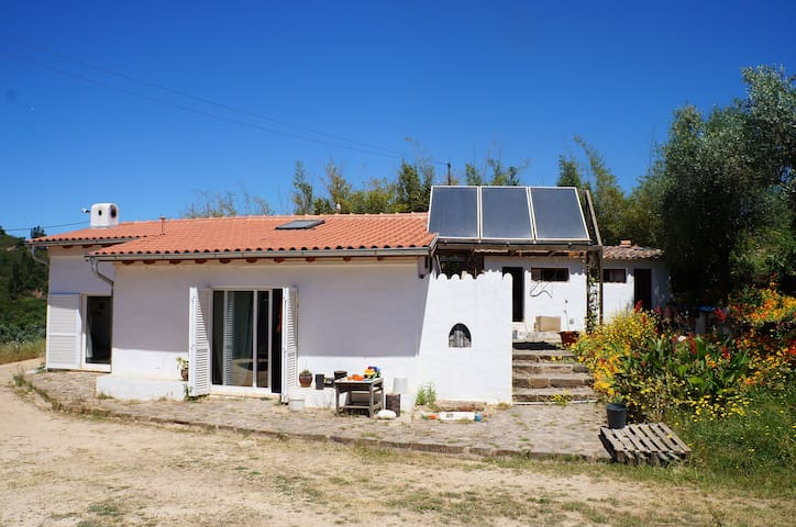 Vale do Sol - comfortable house in quiet area - Mexilhoeira Grande