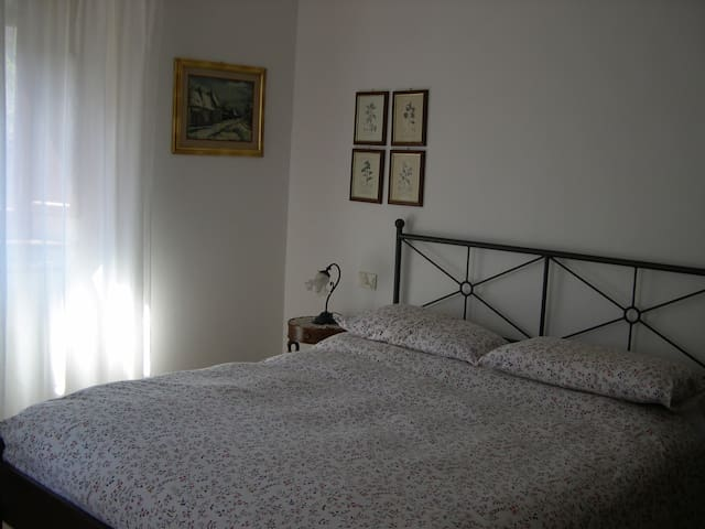Camera Giulietta in B&B - Gragnanella
